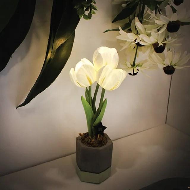 【Via K Studio】鬱金香小盆栽 LED 仿真花夜燈(交換禮物 聖誕禮物 小夜燈 仿真花 不凋花)