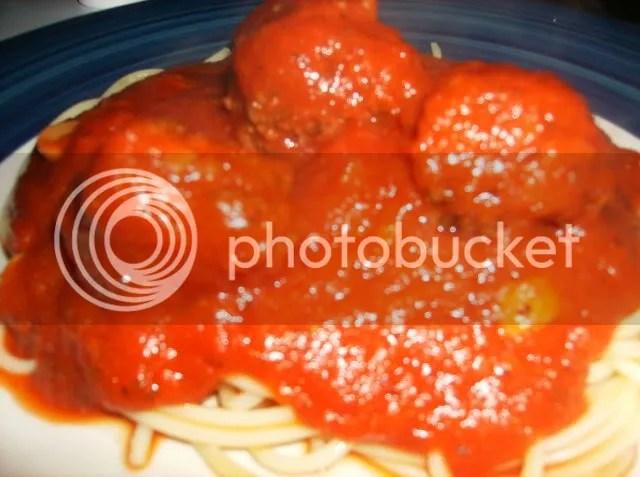 Spaghetti and Meatballs Close-up