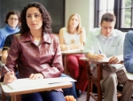 Número de jovens que estão na universidade dobra em dez anos