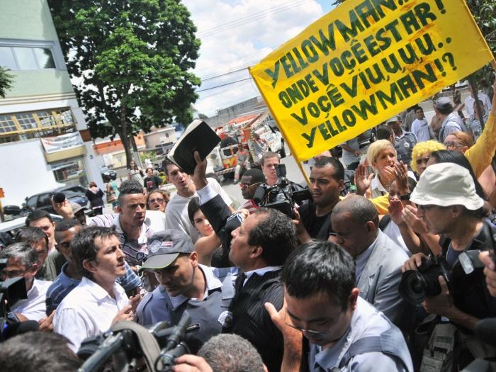 manifestação-juri-nardoni-g-20100326