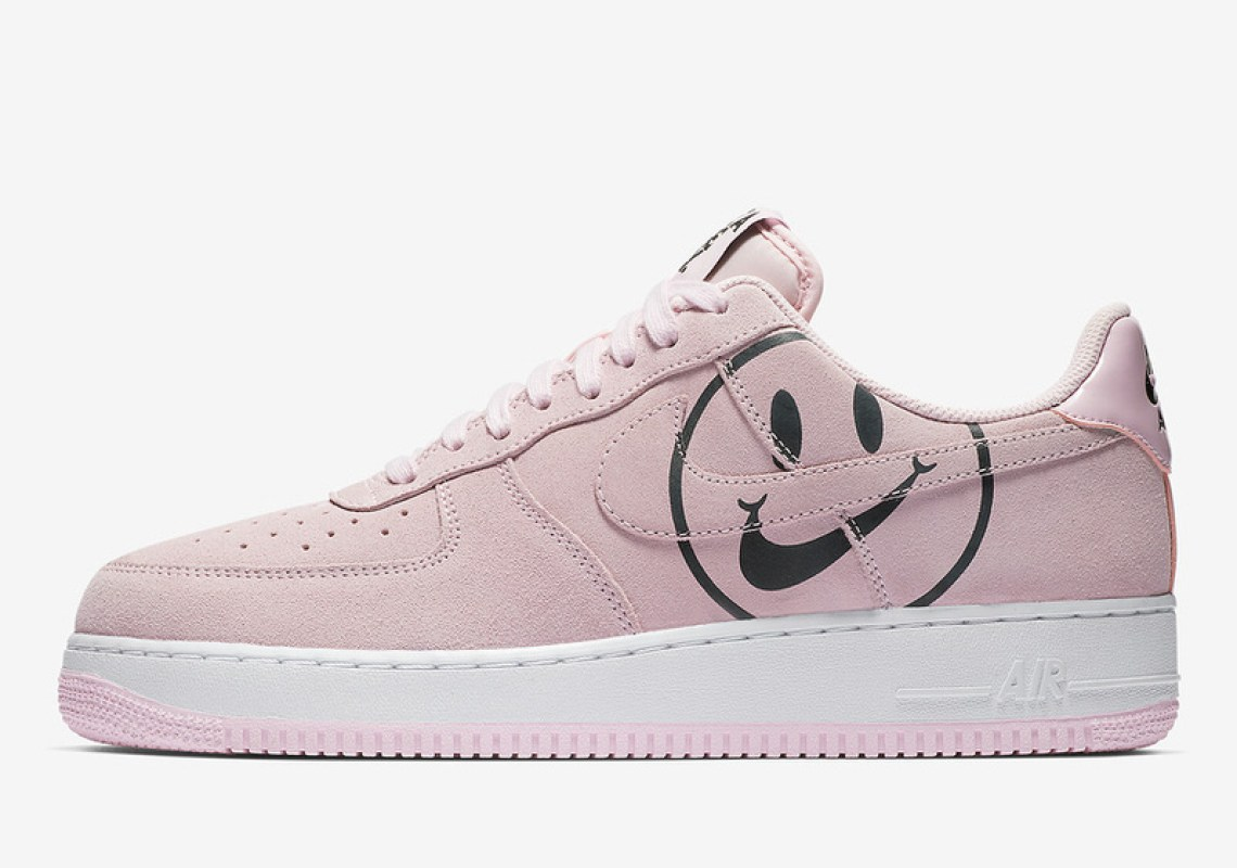 """Nike Air Force 1 """"Have a Nike Day"""" Smiles into 2019 
