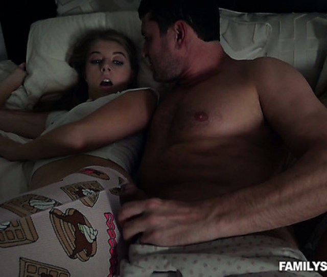 Horny Milf Doesnt Notice Sweet Alyce Anderson Fucking With Her Stud