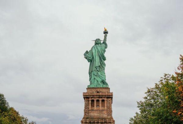Фото Статуя Свободы достопримечательность Нью Йорка