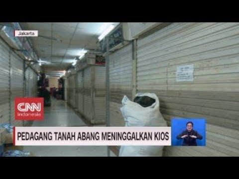 Pedagang Tanah Abang Meninggalkan Kios
