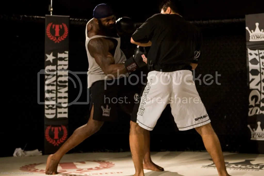 Kimbo trains for Tank