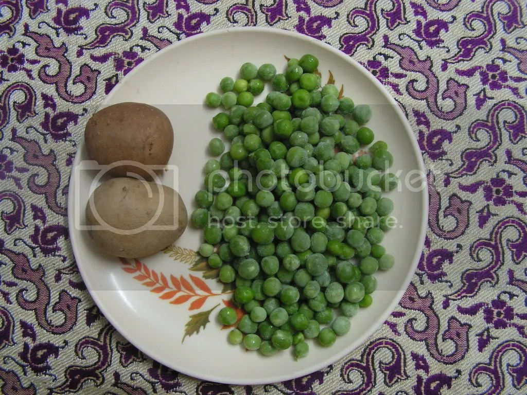 Boiled Potato &green peas