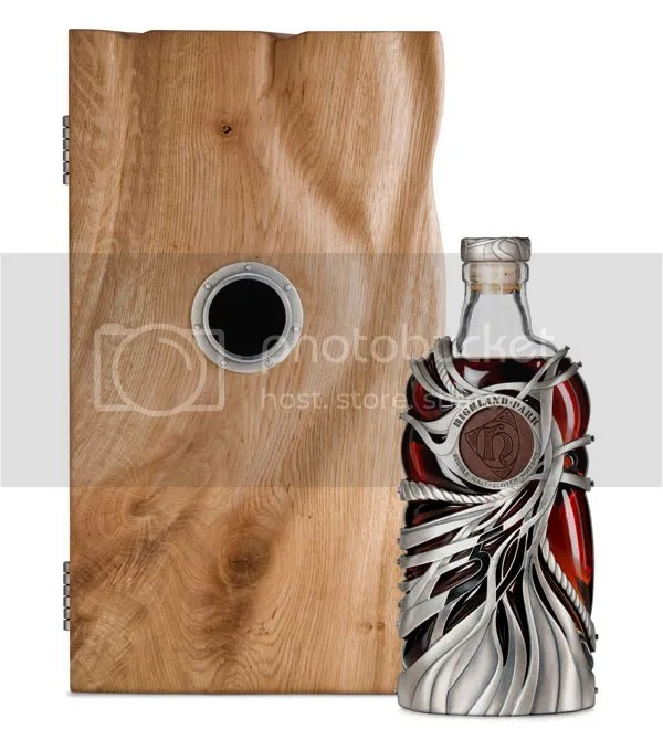 design,bottle,beer,glass,art,metal,wood,brown,red,black,bois,métal,bière,bouteille