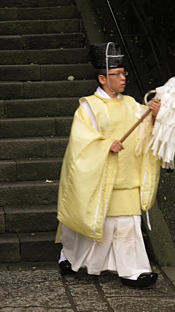 Kamakura priest