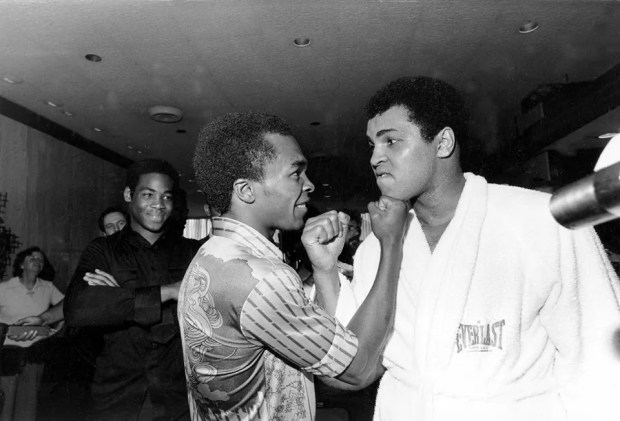 photo Sugar Ray Leonard.jpg