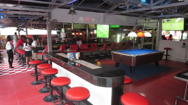Beer Bars Babes Pattaya Thailand