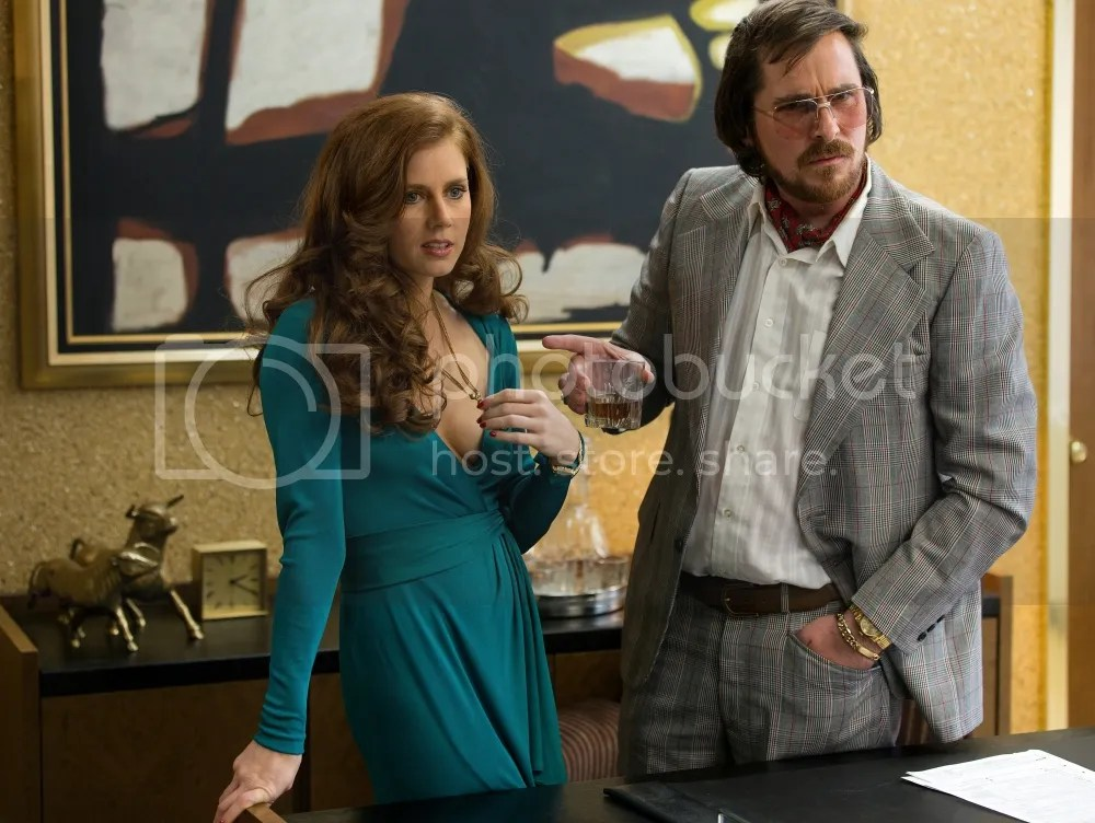 photo Amy-Adams-and-Christian-Bale-in-American-Hustle-2013-Movie-Image_zpsf61b77ba.jpg