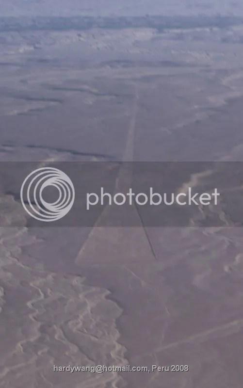 https://i1.wp.com/i22.photobucket.com/albums/b335/hardywang/Peru/Nasca/triangle_2.jpg