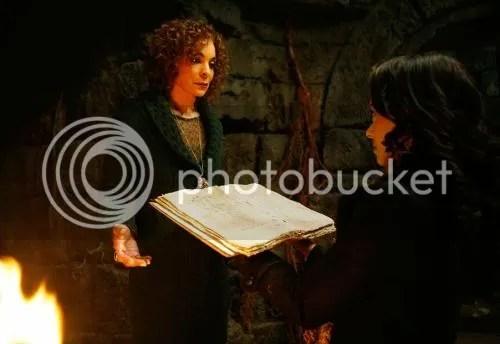 Jasmine Guy and Katerina Graham as Shiela and Bonnie Bennett