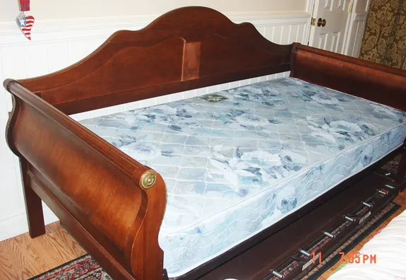daybed with a pop up trundle juniper home