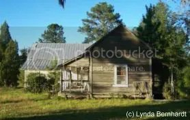 Old House (c) Lynda Bernhardt