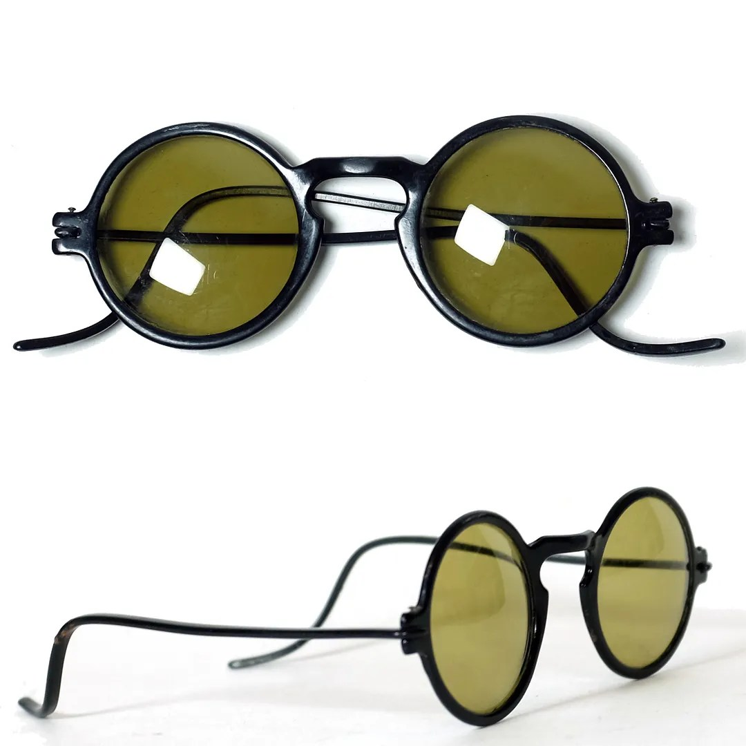 photo edit round sunglasses.jpg