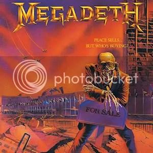 Mr. Vic Rattlehead ini berciri utama selalu menggunakan headset dengan rantai besar di kedua telinganya. Muncul di beberapa sampul album Megadeth.