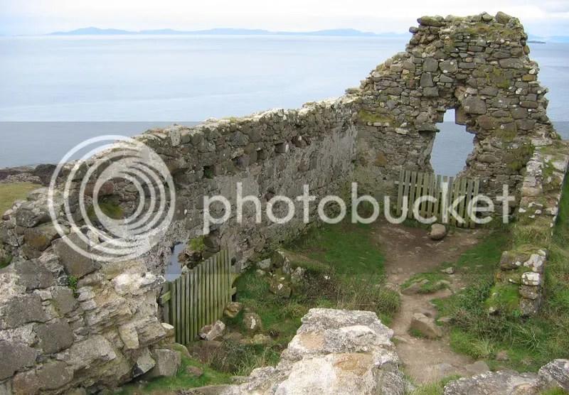 Duntulum castle ruins
