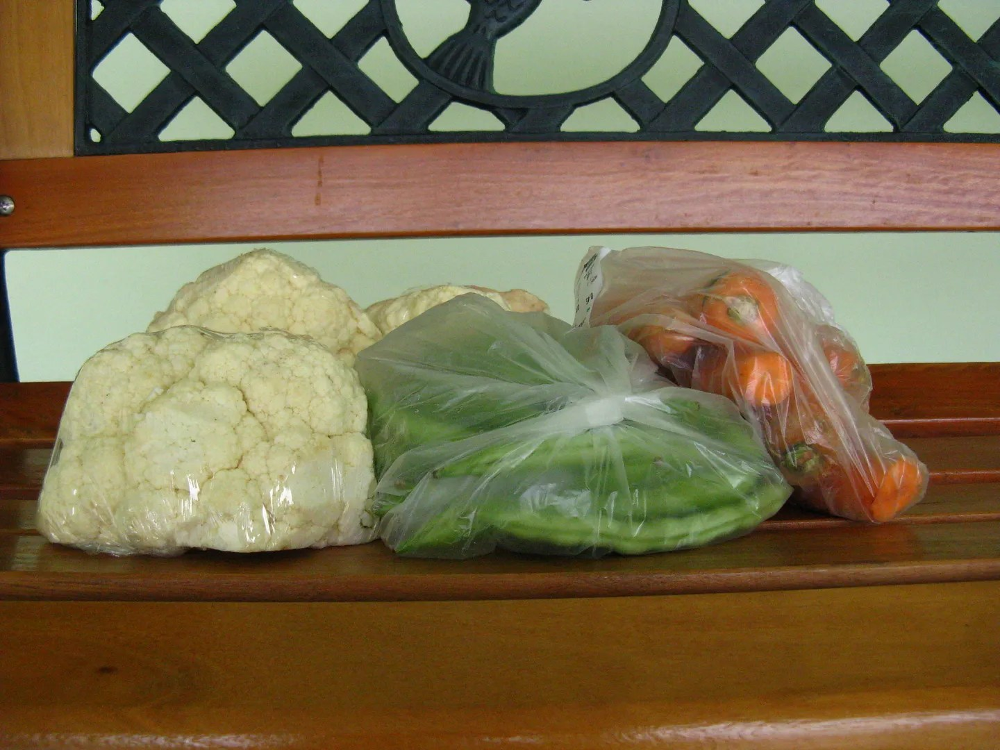 Snapshot of recently purchased fresh vegetables to improve my health.  Doctor said I'm overweight and must lost about nine pounds.  Photo by ©Omar Upegui R.