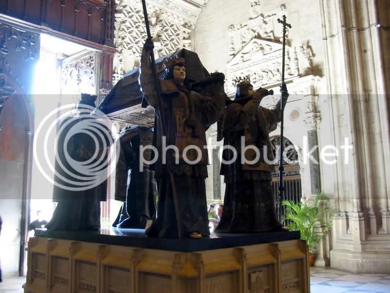 800px-Cristobal_Colon_Tumba-Catedra.jpg picture by kjk76_93