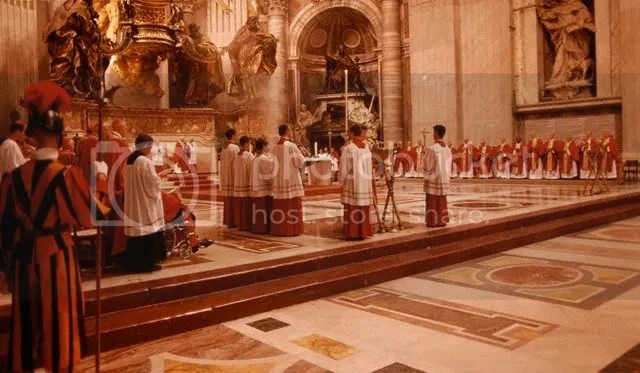 SundayMassatSt.PetersBasilica.jpg picture by kjk76_93