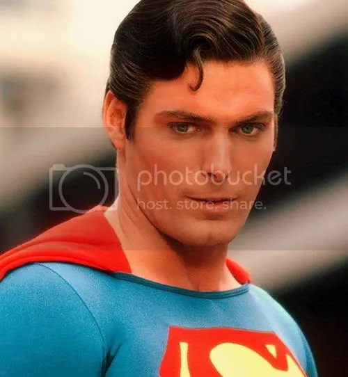 Foto de Christopher Reeve penteado.