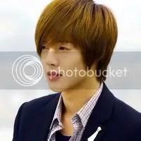 Kim Hyun Joong potong rambut