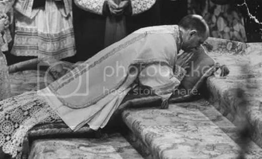 consecrationceremonyforArchbishopGi.jpg picture by kjk76_95