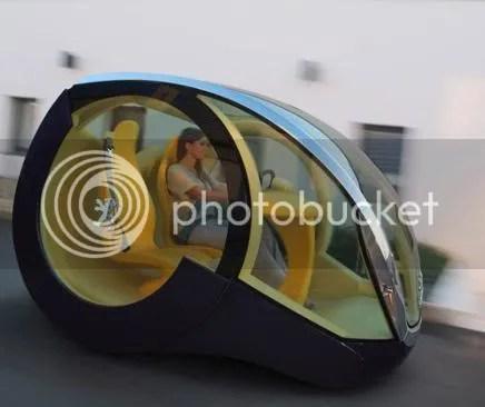 weird car design Peugeot Moovie