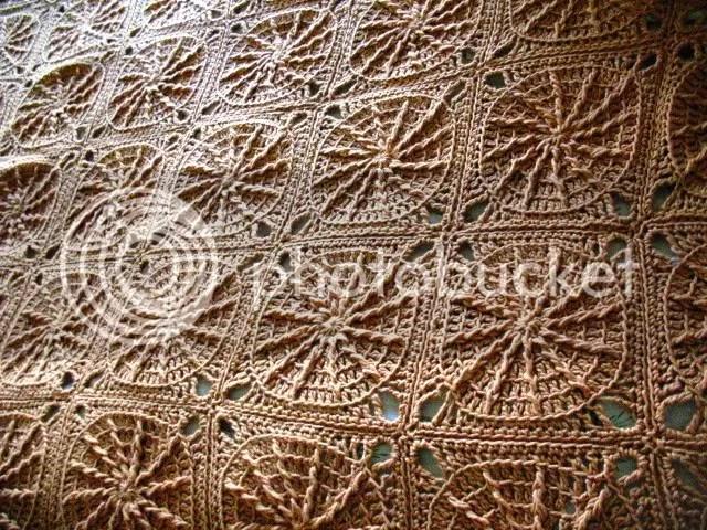Sunny Spread fini, crochet blanket