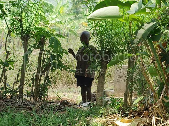 photo of grave in Uganda