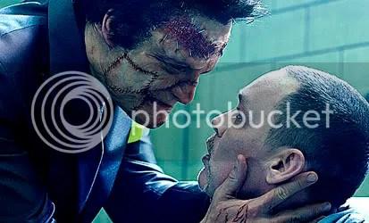 Jigsaw (Dominic West) e seu irmão Loony Bin Jim (Doug Hutchison) - CLIQUE AQUI PARA AMPLIAR ESTA FOTO EM BOA RESOLUÇÃO