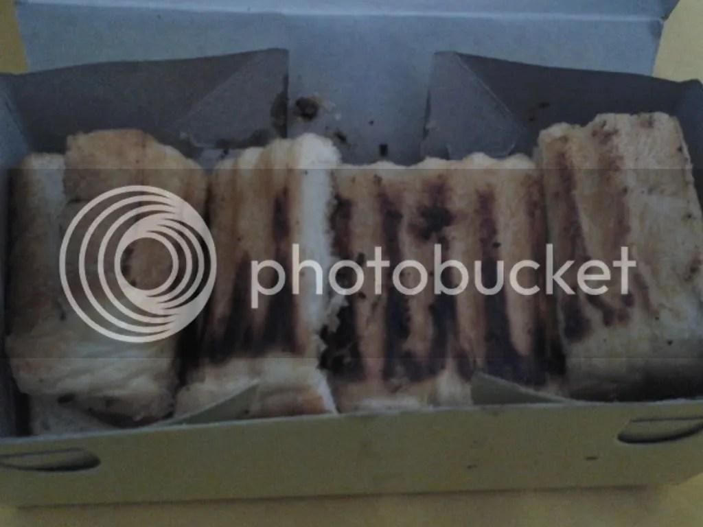 Roti Bakar Campur Keju Kecil (Rp 16.500)