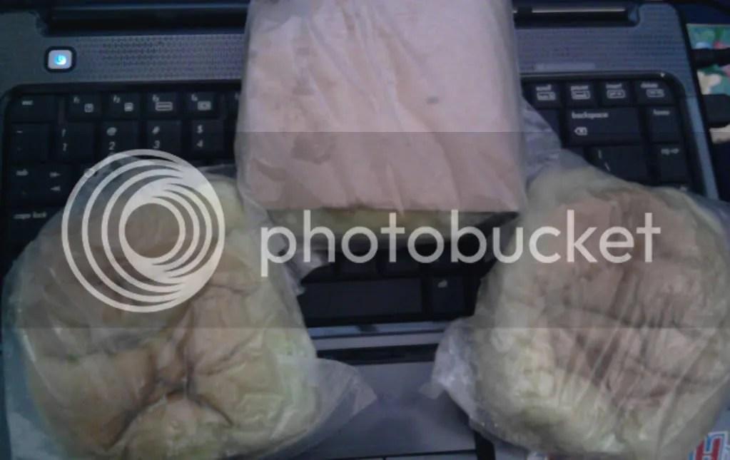 Packaging Rokus (kanan + kiri) dan Robak (tengah)