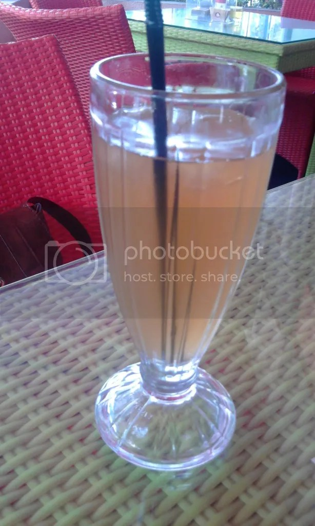 Ice Lemon Tea (Rp 6.000)