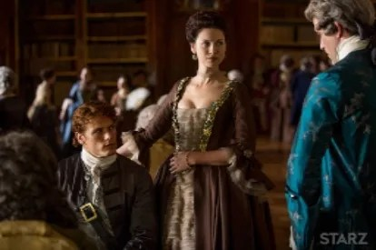 Jamie playing chess with Lord Duverney while Claire and Comte Saint Germaine watch