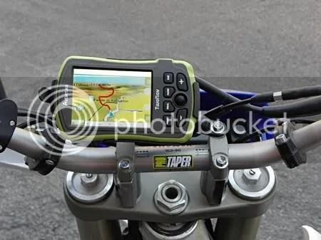En moto es casi imprescible llevar cargado un track de referencia.