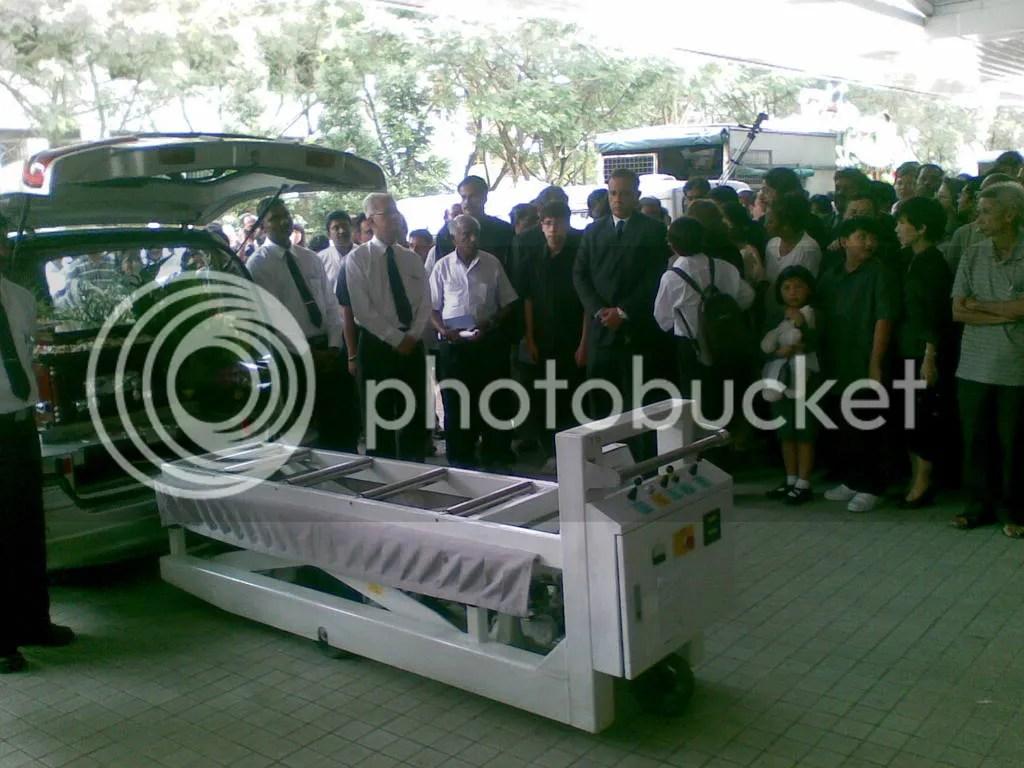 JBJmandai04.jpg JBJ's funeral service at Mandai crematorium picture by wayangparty
