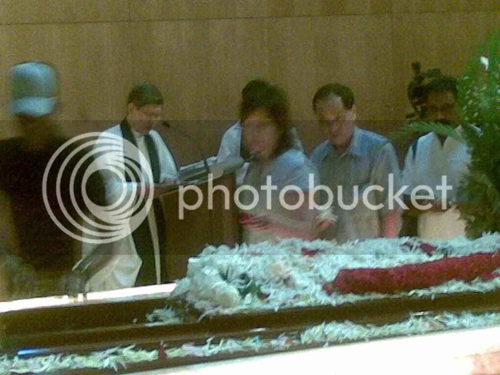 JBJmandai31.jpg JBJ's funeral service at Mandai crematorium picture by wayangparty