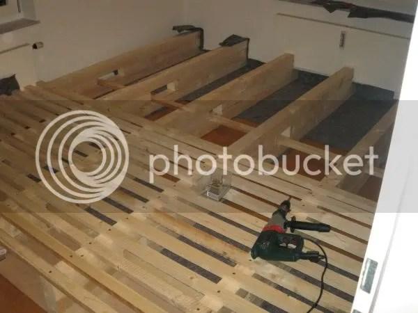 Holzkonstruktion - obere Querbalken