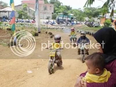 balap mini dan ibu