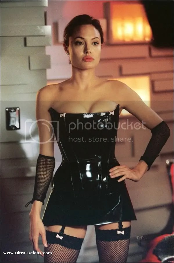 https://i1.wp.com/i27.photobucket.com/albums/c169/celebrities_fun/angelina-jolie-015.jpg