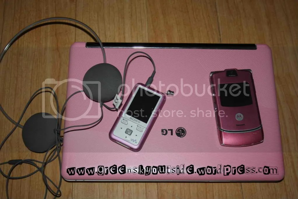 pink LG laptop, pink Sony MP4, pink Motorola Razr