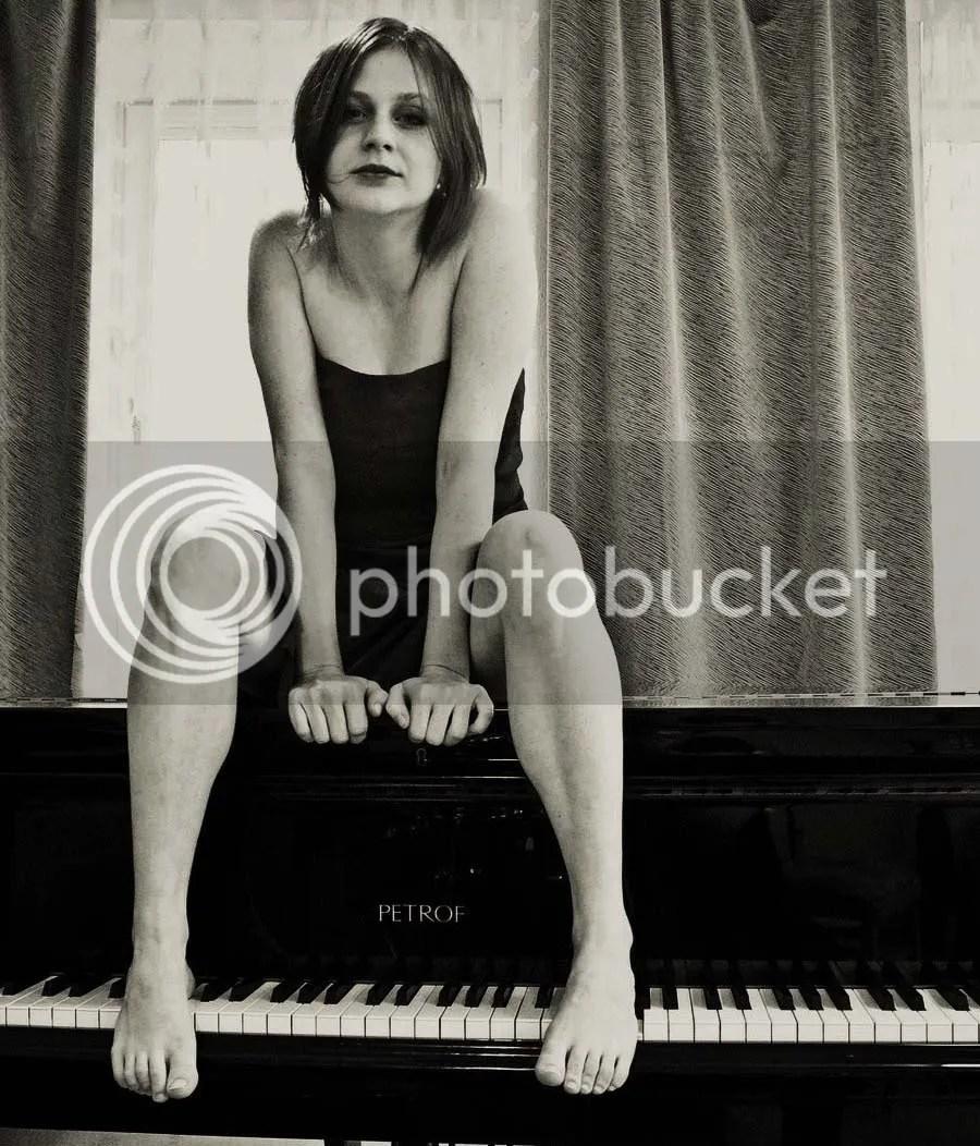 The Faintest Way, Piano