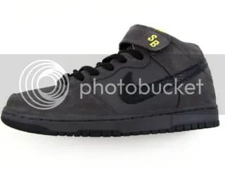"""... Nike SB Dunk Mid """"Dark Knight"""" 4ea92a6a0"""