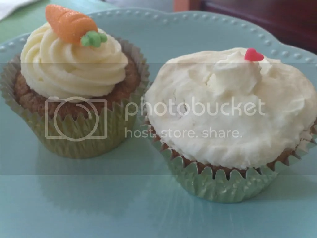 caramel cafe,hairloom and caramel,carrot cake,cupcake,lemon cupcake,decadent desserts