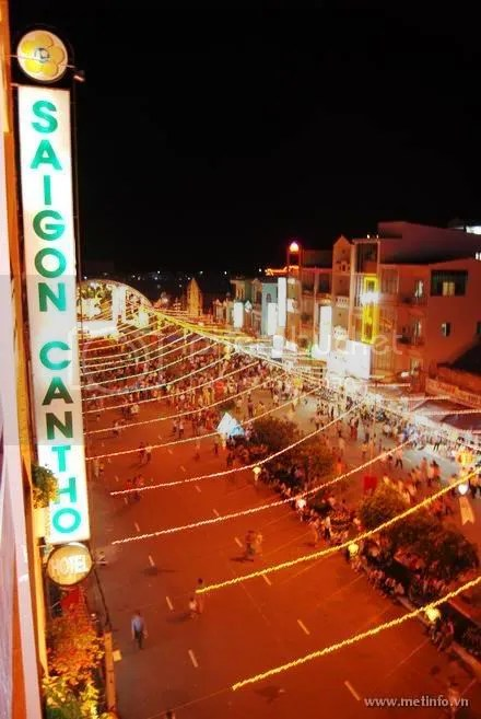 Nguyen An Ninh Street