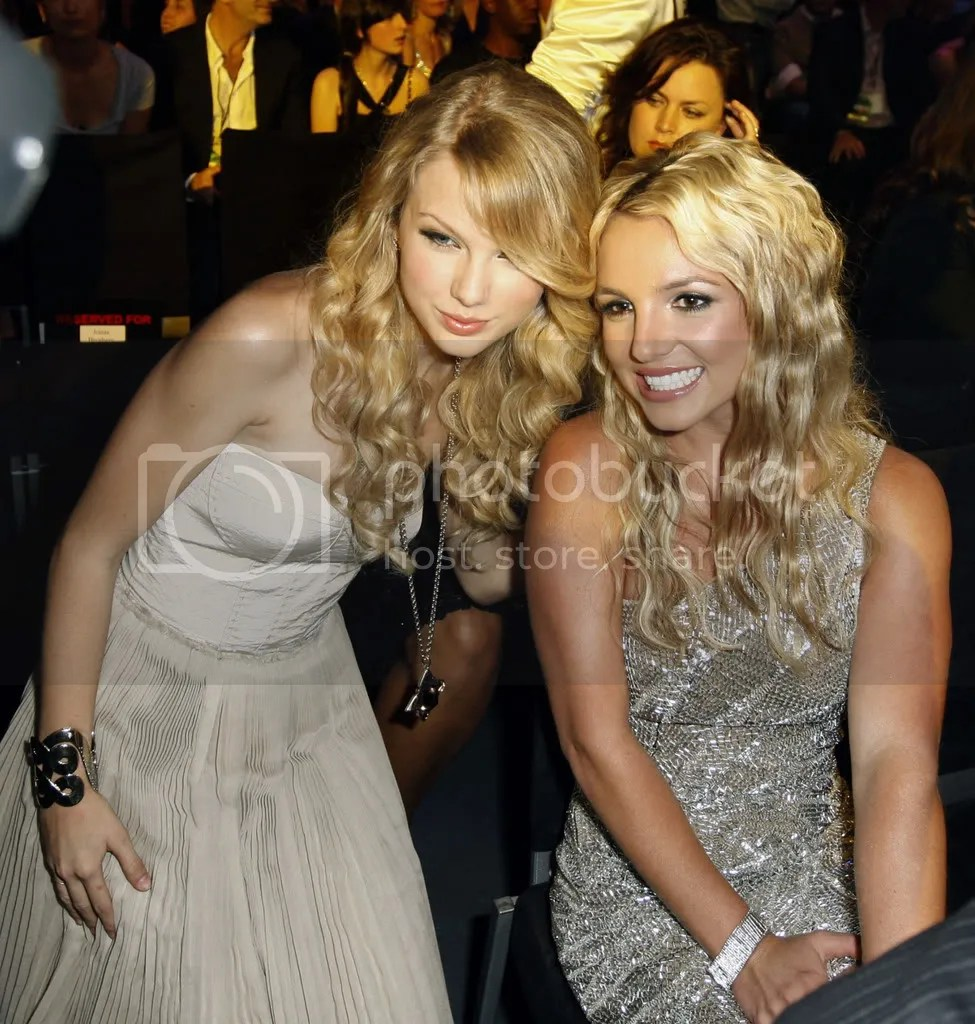 Brittney Spears & Taylor Swift