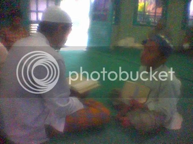 Santri belajar face to face dengan Ustadz