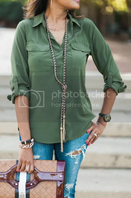 dallas blogger, dallas fashion blogger, fashion blogger, fall trend 2015, army green shirt, how to wear army green, statement clutch, L.A.M.B. Lipstick clutch, tassel necklace, ripped jeans, american eagle jeans, pointed toe loafers, affordable fashion, military style